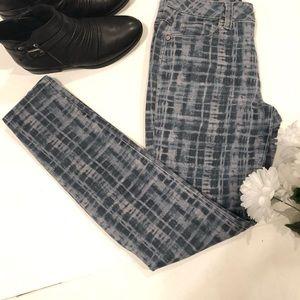 CAbi curvy skinny grid print jeans size 6